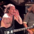 In an interview to be published today (May 6) in The Sun, AC/DC lead guitarist Angus Young discusses the release of 'Live at River Plate'...