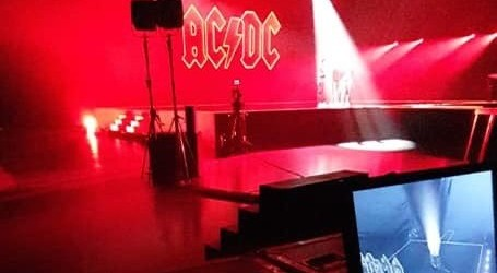 AC/DC back in the spotlight and back in business, new photo surfaces